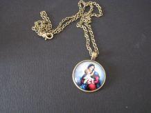 Pendentif collier Religieux Médaillon VIERGE à l'Enfant