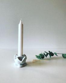 Bougeoir en porcelaine blanche Aplico en forme de fleurs