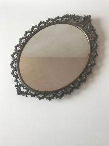 Miroir ovale vintage en laiton