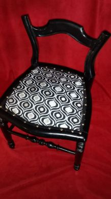 COQUETTE  PETITE CHAISE TAPISEE TRES   STYLEE