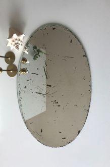 Miroir ancien ovale biseauté à poser