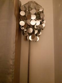 Très joli lampadaire à facettes argentées  vintage