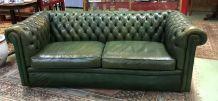 Canapé chesterfield 3 places en cuir vert des années 70