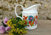 pichet fleuri en porcelaine de Bavière année 70