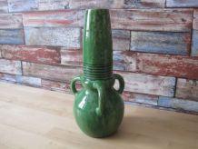 Vase en faience cachet de Belgique  1950