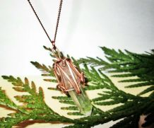 pendentif en cristal, pierre naturelle