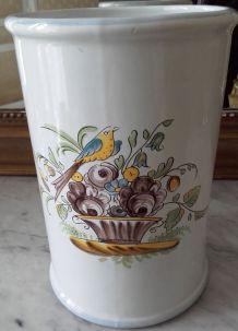 Magnifique vase ou pichet à eau  entièrement fait à la main