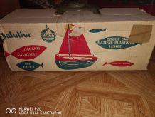 Ancien jouet  chalutier (bateaux)