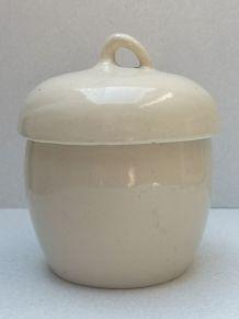 Joli pot en céramique
