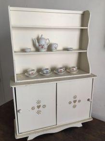 Jouet ancien : meuble vaisselier