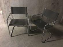 Paire de fauteuils B34