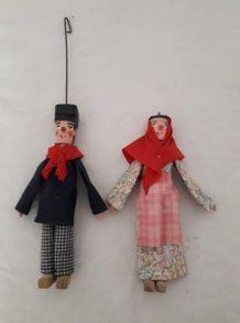 2 Marionnettes en bois, peintes à la main , bon état