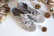 Baskets velours gris neuves