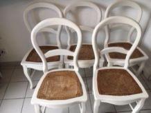 """5 chaises cannées """"Campagne Chic"""" en bois patiné"""