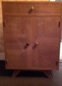 Petit meuble de rangement vintage en teck