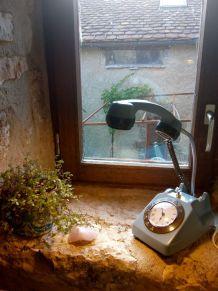Lampe téléphone et horloge