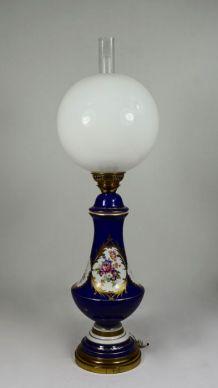 Lampe style Napoléon III porcelaine et laiton