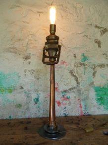 LAMPE LANCE A INCENDIE -  D'AMBIANCE - DE TABLE