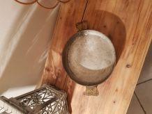 Plat en cuivre rond , diamètre 21 cm