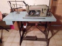 Machine 1 coudre pfaff