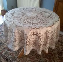 Nappe ronde et 6 serviettes dentelle polyester