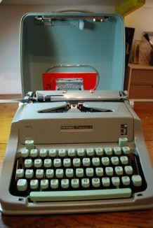 Machine à écrire Hermès média 3