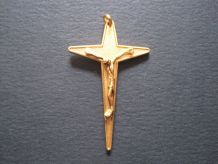 belle Croix vintage cross religious en plaqué or FAB FRANCE