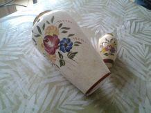 2 vases anciens motif fleurs