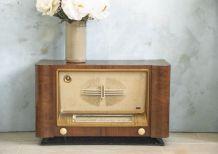 Meuble-poste de radio à lampe années 50
