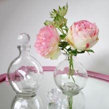Bouteilles de parfum en verre