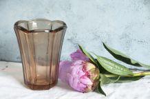 Petit vase corolle en verre moulé rosé années 40/50