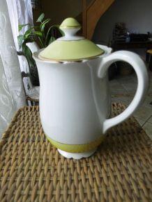 VERSEUSE LUNEVILLEen  porcelaine jaune et crème