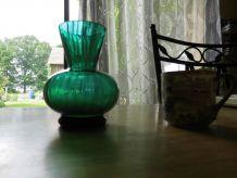 mignon petit vase ancien