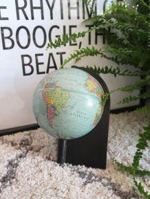 Globe terrestre design