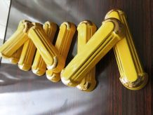 série de 8 repose-couteaux  ARTS DÉCO  jaunes