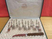 Coffret 12 fourchettes métal argenté et 1 couteau