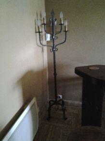 chandelier sur pied
