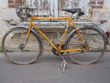 Vélo ancien Peugeot  randonneuse 1974