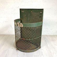 Corbeille à papier métallique de jardin public vintage