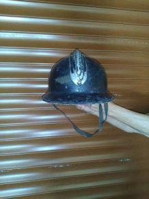 ancien casque de pompiers