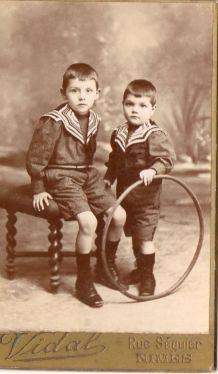 photo ancienne 2 enfants au cerceau vers 1900