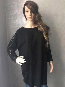 Robe ou tunique noire