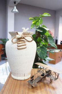 Vase original à lacets