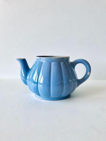 Ancienne théière en céramique bleue