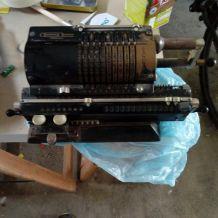 Machine à calculer mécanique Odhner