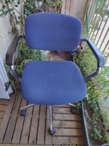 chaise de bureau bleue Steelcase Strator année 1991 n°17-342