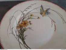 plat rond Sarreguemines décor papillon  U & C  19 siècle