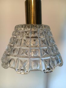 Suspension vintage en verre moulé  et laiton