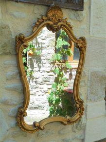 Miroir rococo en bois doré 72x45cm