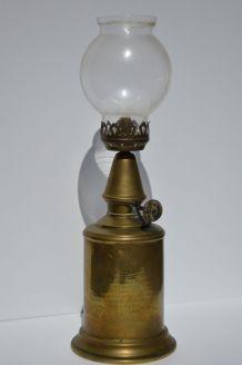 Lampe à huile Pigeon
